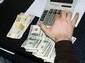 Ərəb savaşı dolları vurdu, manatı gücləndirdi - CƏDVƏL - FOTO: İQTİSADİYYAT