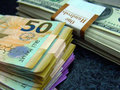 """Dollar """"dirildi"""", manata """"hücum"""" çəkdi - CƏDVƏL - FOTO: İQTİSADİYYAT"""