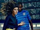Məşhur xanım futbol oynayır - FOTO: Fotosessiya