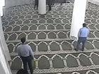 Xalq artistinin oğlunu namaz üstdə soydular - VİDEO: HADİSƏ