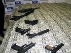 Narkobaronun evi: qızıl silahlar, hər yerdə pul - FOTO: Fotosessiya