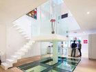 Atrium ətrafındakı ağ ev - FOTO: Fotosessiya