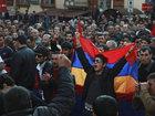 Ermənistan parlamentinin binası yanında etiraz aksiyası keçirilir: Dünyada
