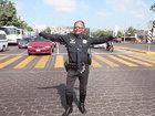 Polis rəqs etməklə ulduza çevrildi - VİDEO: VİDEO