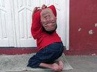 Tərsinə başlı adam hamını heyrətləndirdi - FOTO: Maraqlı