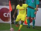 Futbolçu bu zərbəsi ilə pərt oldu - VİDEO: VİDEO