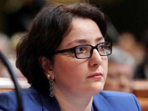 Gürcüstan müdafiə naziri Bakıdakı yanğınla bağlı Azərbaycan xalqına başsağlığı verib