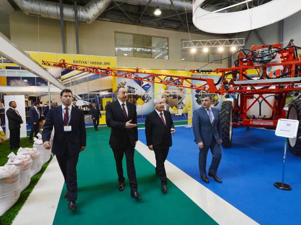 Prezident İlham Əliyev Bakıda keçirilən beynəlxalq sərgilərlə tanış olub - YENİLƏNİB - FOTO