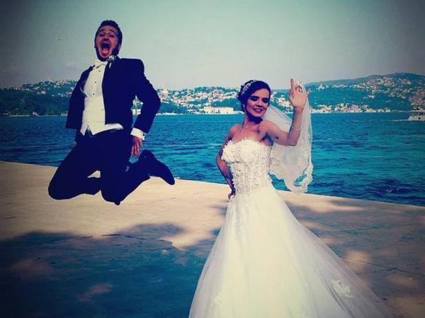 Məşhur aktrisa evləndi - TOYDAN FOTOLAR