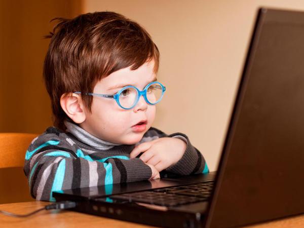 Televiziya, internet, telefon - uşaqların nitqinə mane olur