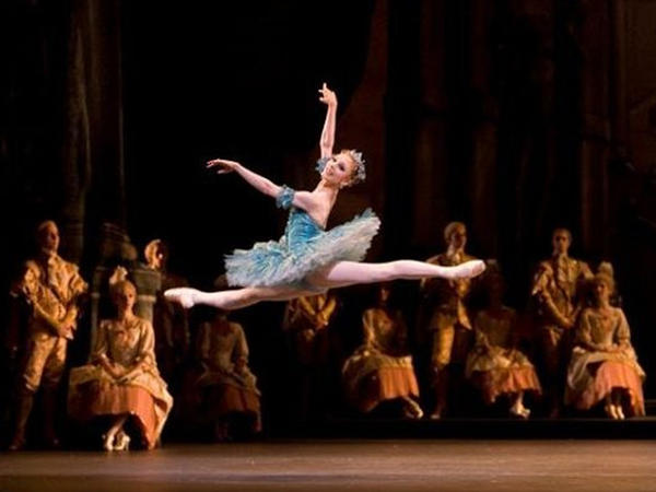 Balet keçmişə qayıdır