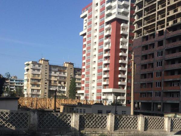 Bakıdakı binaların təhlükəsi tək üzlük ki...  - FOTO