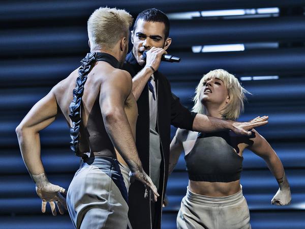 """Elnur """"Eurovision""""da itirdi, əvəzində milyonları qazandı - FOTO"""