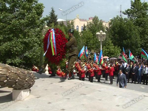 Gəncədə 28 May - Respublika Günü təntənəli şəkildə qeyd edilib - FOTO