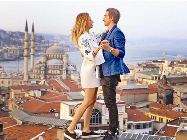 Azərbaycanlı dünyanın ən məşhur cütlüyü üçün klip çəkdirdi - FOTO