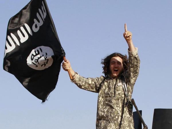 """""""Xilafət"""" 1 yaşında: İŞİD-i kim məhv edəcək?"""
