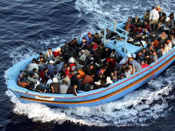 Miqrant qayığı batdı, 84 nəfər itkin düşdü