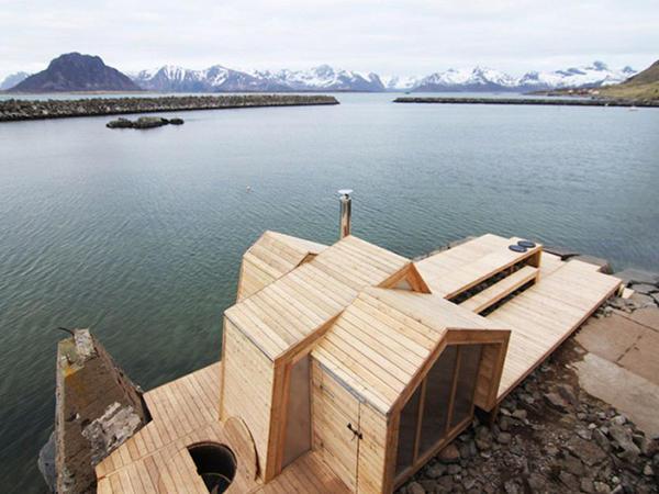 Qayalıq sahildə sauna - FOTO