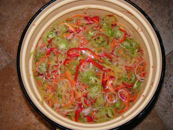 Mətbəx sirləri: Göy pomidor salatı