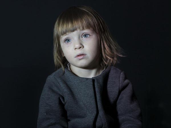 Axmaq qutu: uşaqlar ona baxır - FOTO