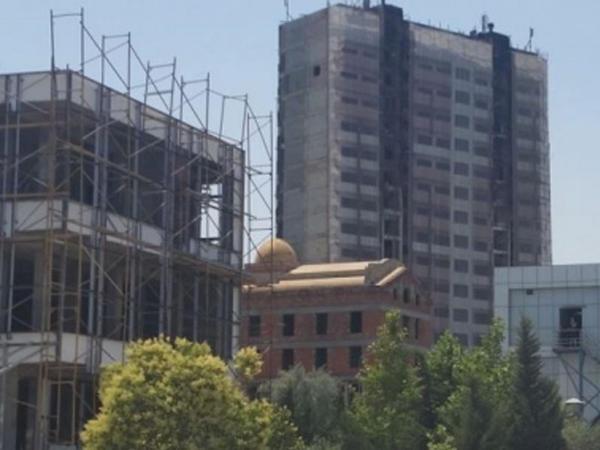 Bakıda yanan binadan son görüntülər - VİDEO