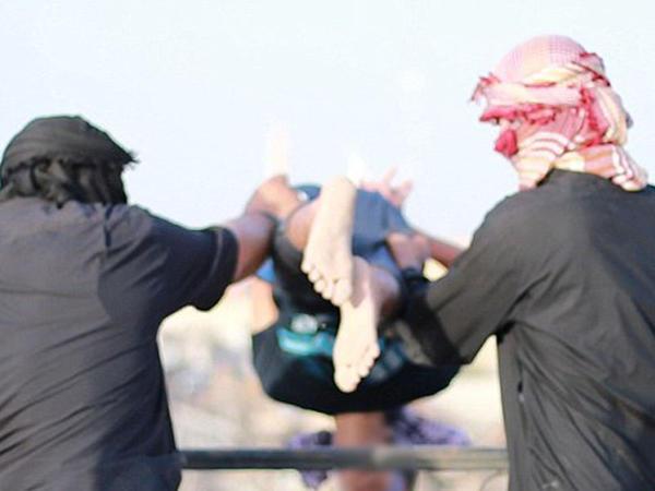 """İŞİD """"mavi""""ni damdan atdı - FOTO"""