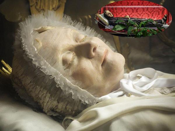 Katolik müqqədəslərin tabutları: zamana qarşı inam - FOTO