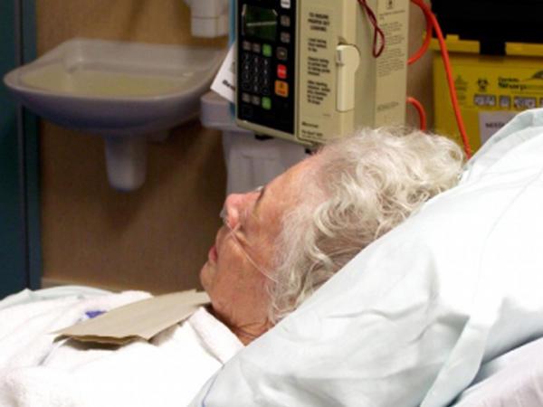 92 yaşlı nənənin qarnında 50 illik döl...