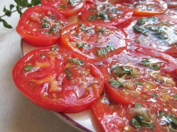 Mətbəx sirləri: Ballı pomidor salatı