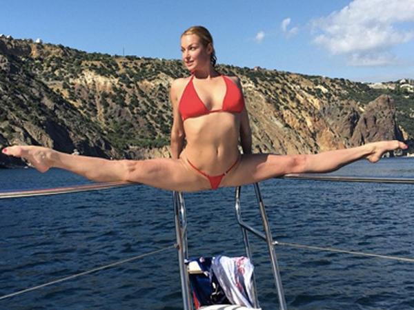 Azərbaycanlı biznesmenin keçmiş sevgilisi bu FOTOsu ilə yaya damğasını vurdu