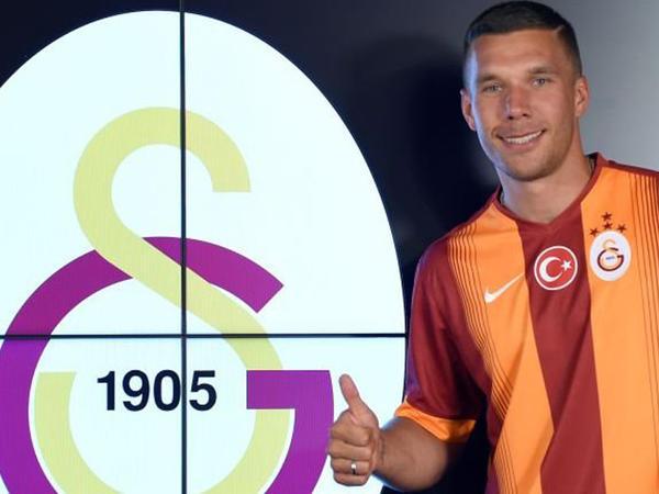 """""""Qalatasaray"""" yeni transferini utandırdı - FOTO"""
