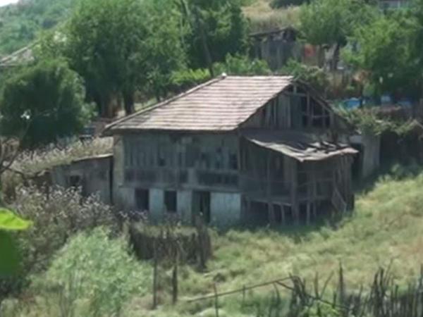 """""""Uzaq sahillərdə""""n qalan ev - VİDEO"""