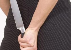 Qazaxda kürəkən qayınatasını bıçaqladı