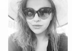 Ayğün Kazımovanın qızı sinəsini göstərdi - FOTO