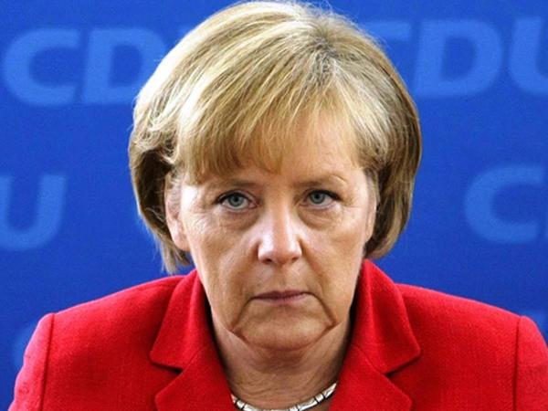 """""""Merkel bütün Səudiyyə qadınları üçün örnəkdir"""" - <span class=""""color_red"""">səudi nazir müavini</span>"""