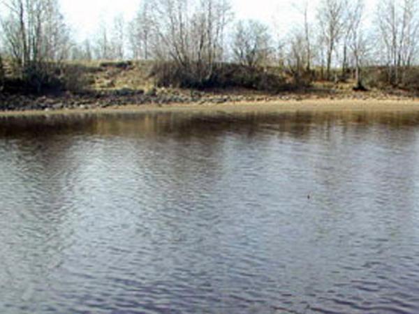 Qarabağ kanalında bir nəfər batıb