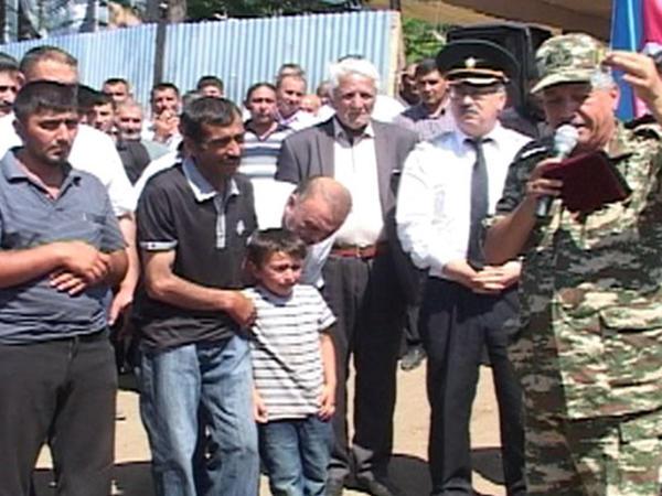 Şəhid olan hərbçimizin medalı ailəsinə təqdim olunub - FOTO