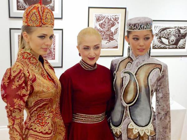 Azərbaycan geyimləri Rusiyada etnofestivalın açılışında - FOTO