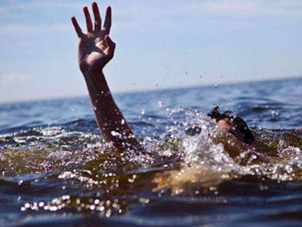 Sumqayıtda iki gənc dənizdə batdı