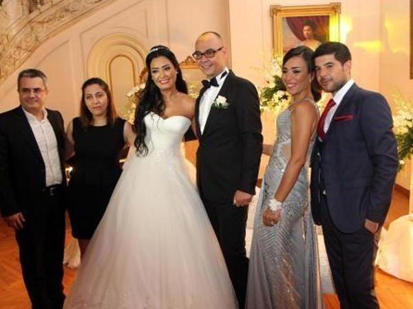 """Diplomatla """"Misir gözəli"""" evləndi - FOTO"""