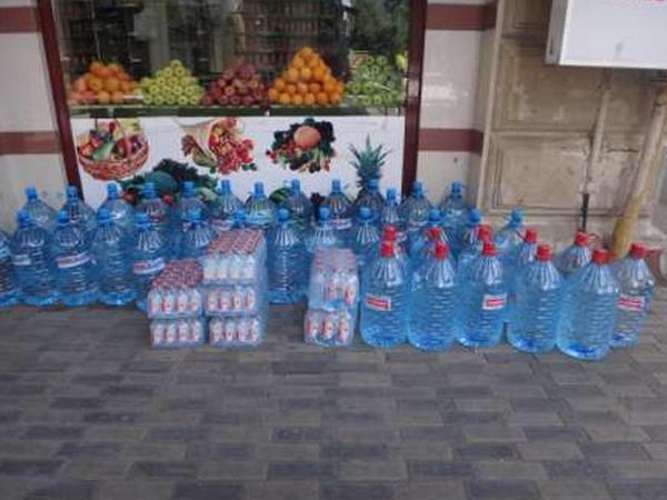 1 litri 6 manat olan su ilə litri 20 qəpik olan suyun fərqi nədir?
