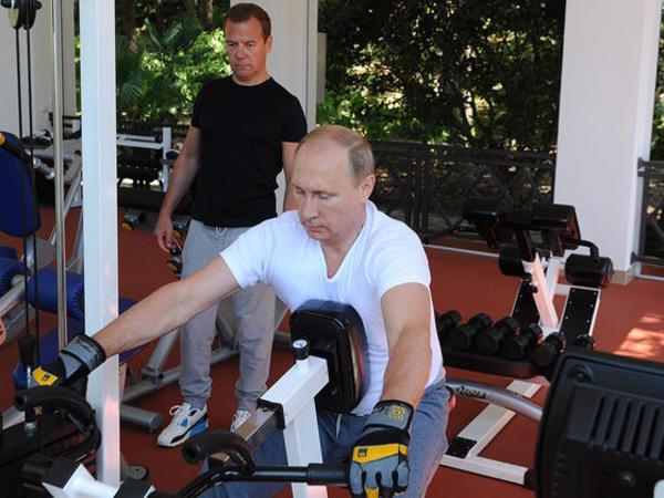 Putin və Medvedev birgə məşq etdilər - FOTO