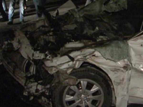 Bakıda minik maşını benzindaşıyan avtomobilə çırpıldı: 2 ölü, 2 yaralı - FOTO