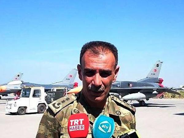 Zakir Həsənov pilotlara tapşırıq verdi - FOTO