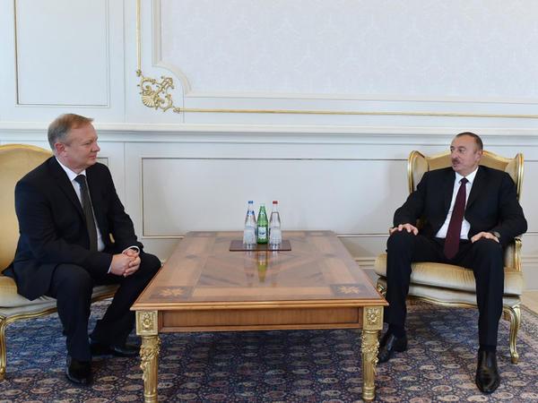 Prezident İlham Əliyev Belarus səfirinin etimadnaməsini qəbul edib - FOTO