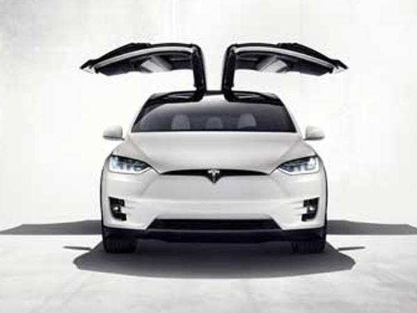 Tesla Model X göstərildi - VİDEO - FOTO