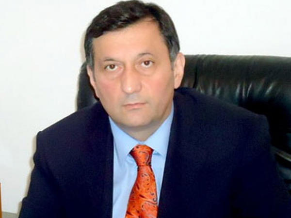 Azərbaycanda partiya sədri istefa verdi