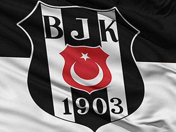 """""""Beşiktaş"""" daha iki futbolçunu klubdan göndərdi"""