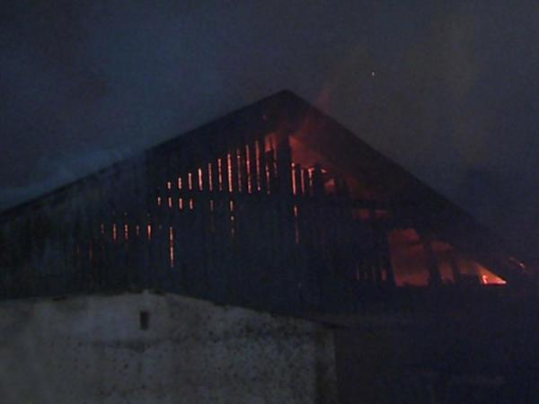 Bir evdə 7 uşaq diri-diri yandı