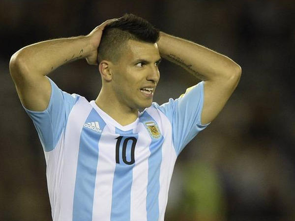 Argentinalı hücumçu zədələndi
